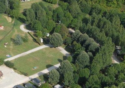 Un camping implanté sur deux hectares de verdure
