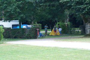 Emplacement pour une tente et une voiture