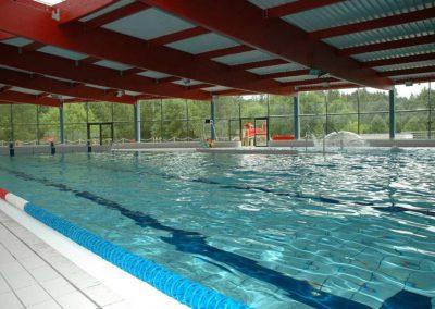 Le centre aquatique l'Ovive est à 50 mètres du camping