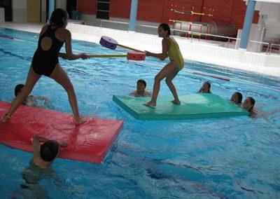 Bassin de baignade et de jeux aquatiques