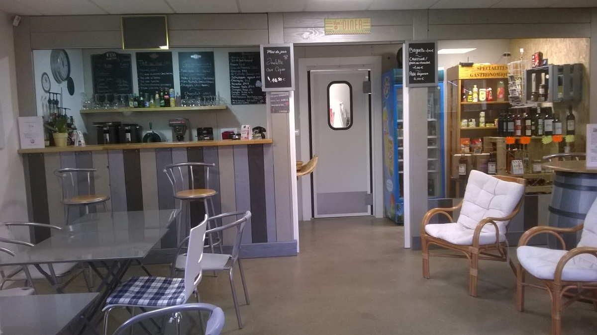 Snack Bar ouvert 7 jours sur 7 en saison