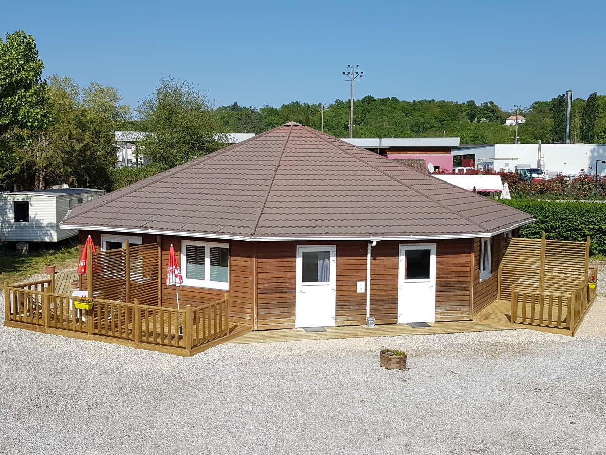 Location de studio / bungalow en Périgord vert à deux pas de Nontron